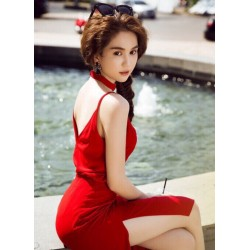 Robe rouge sexy Ngoc Trinh
