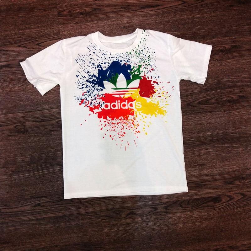T-shirt Adidas multicolore