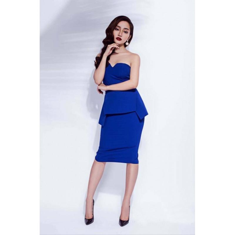Blue dress with neckline