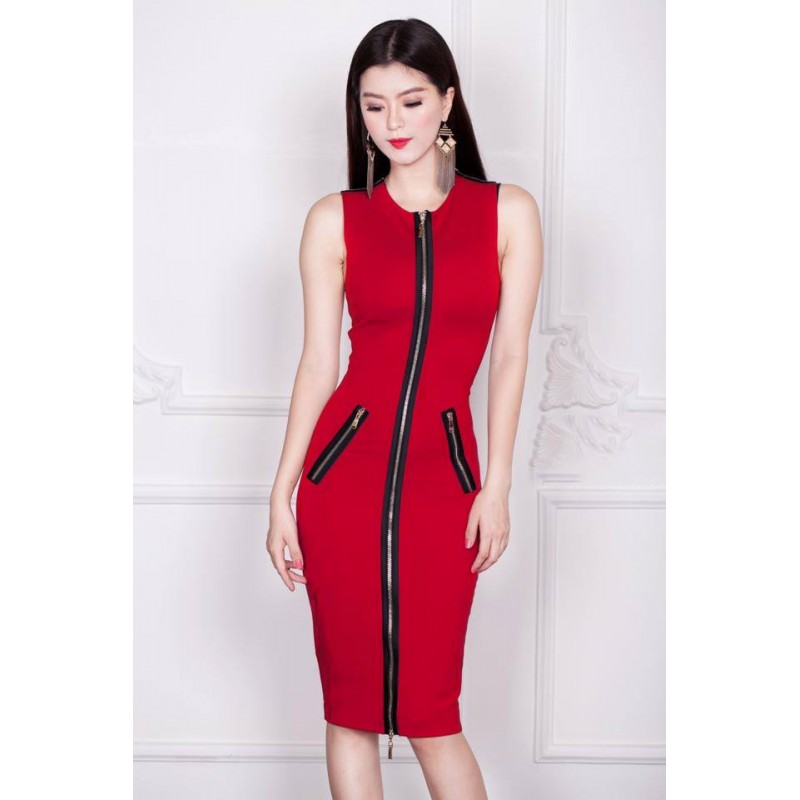 Red dress with closure 363